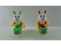 Conejo toca tambor